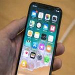 Issues concerning answering incoming calls on iPhone X reported by users
